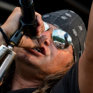 shotguns_gunsandroses_28-05-2011_035